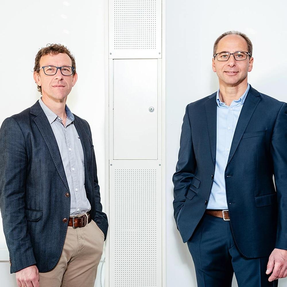 Portrait von Bernhard Nigl und Thomas Mader, den Ideengebern der Mediensäule