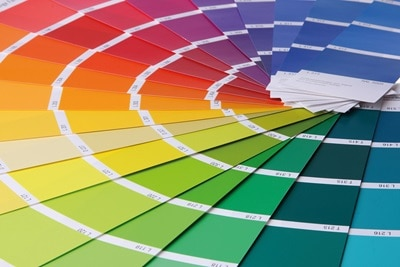 Farbfächer zur möglichen Individualisierung von Hager, Berker und Elcom Produkten.