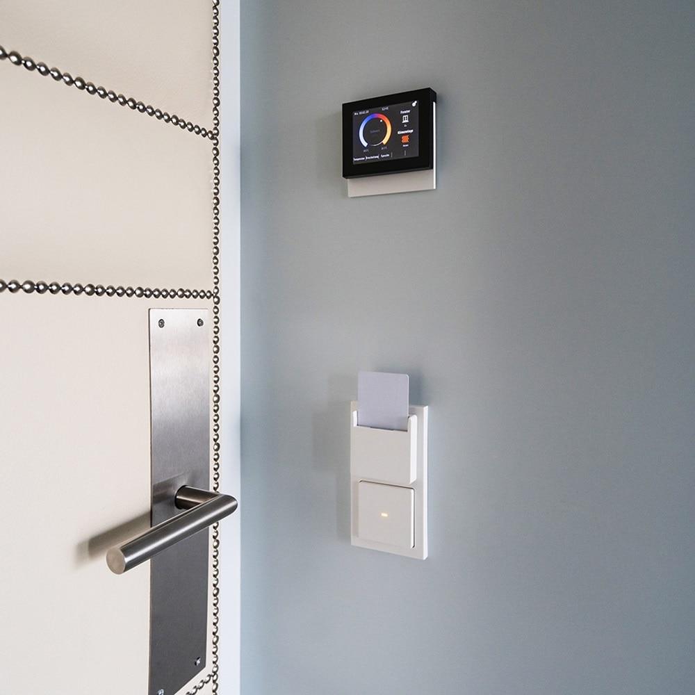 Berker Touch Control und elektronische Hotelcard-Schalter sorgen für optimalen Komfort