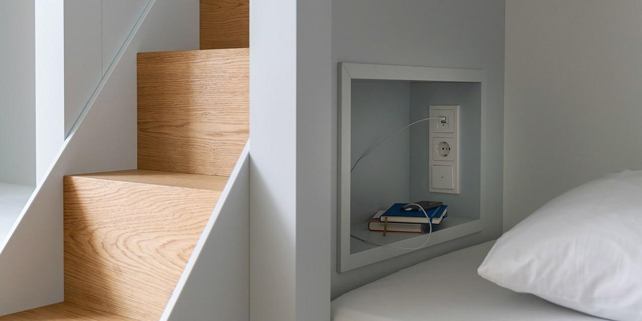 Berker Schalterprogramm Q.3 -  Praktische Kombination von 230 V Steckdosen, USB-Ladesteckdosen und Lichtschaltern im Mehrfachrahmen.