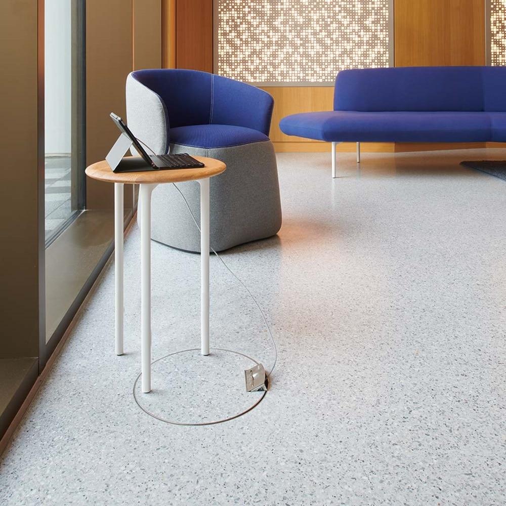 Hotelfoyer mit Hager Leitungsauslass im Fußboden zum dazugehörigen Bodendesign.