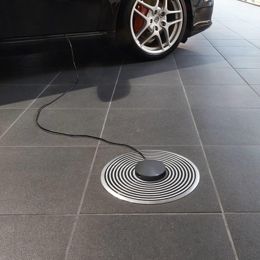 Hager Bodeninstallationssystem im Porsche Zentrum Hannover. Tubus-Leitungsauslass.