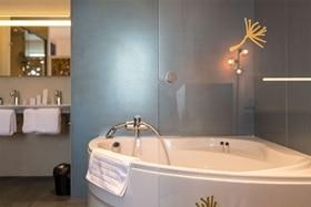 salle de bain pour hotels, solutions tertiaires