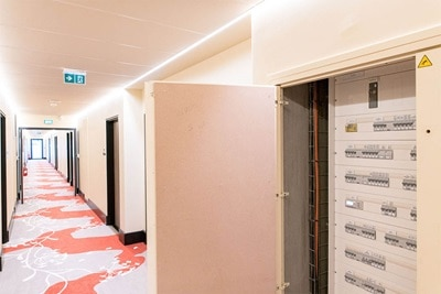 hall hotel, distribution d'energie, solutions d'enveloppes modulables